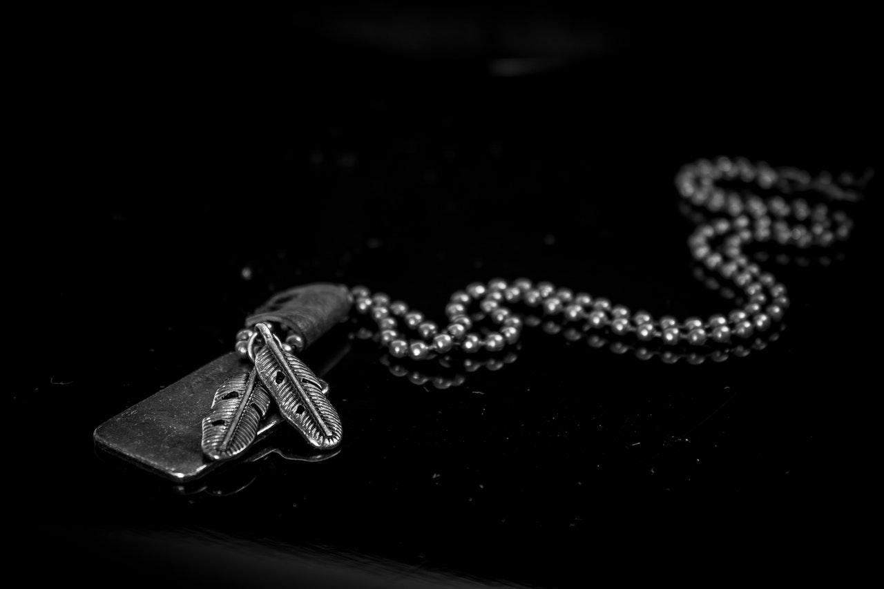 Connaissez-vous la signification du collier main de Fatma ?