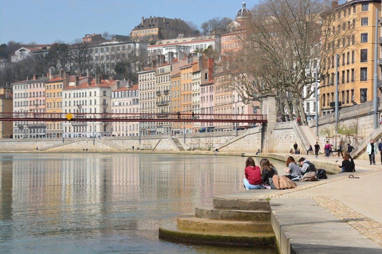 Domiciliation Lyon : les avantages de la métropole