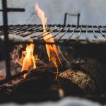 Comment entretenir une plaque en fonte pour barbecue?